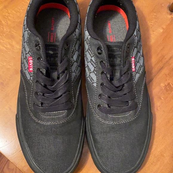 Men's Levis shoes